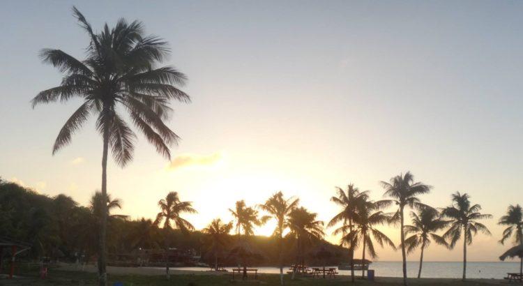 Furadas De Viagem – A Praia Vermelha Com O Capitão Loko Em Curaçao